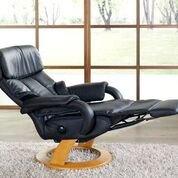 Himolla Cosyform Tobi Small Manual Recliner with Integral Footrest