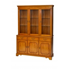 Bradley 941 Bow Display Cabinet 3 Door